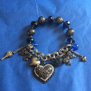 Bow and hearts ♥️ bracelet nwot